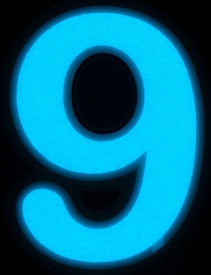9-EY-BG.jpg